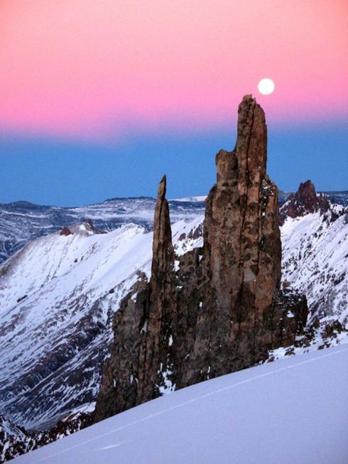 Moonrise over Rune's Needle.  <i>Carlos Buhler</i>